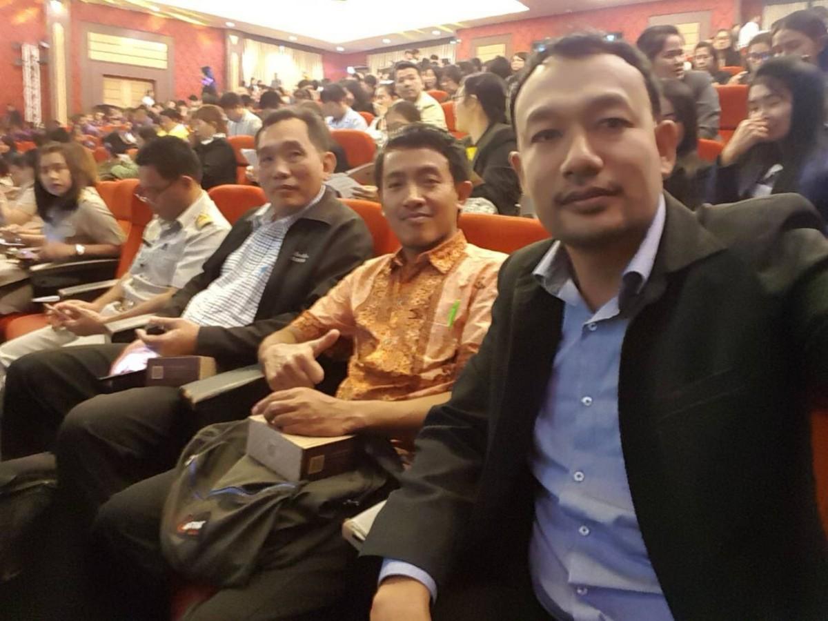 ผู้บริหาร มรภ.นศ. ร่วมพิธีเปิดการประชุมวิชาการระดับชาติและนานาชาติ ราชภัฏวิจัย ครั้งที่ 5 ณ มหาวิทยาลัยราชภัฏเพชรบุรี-2