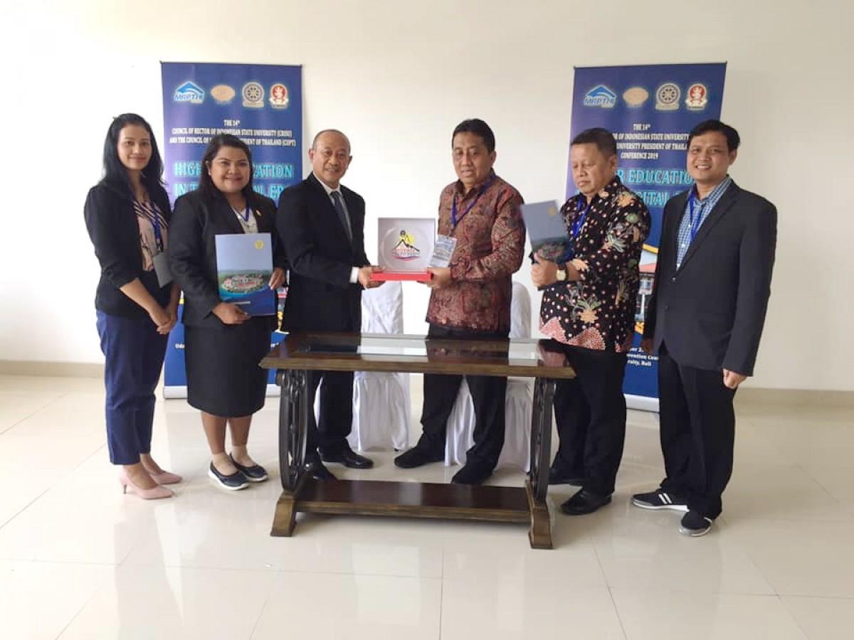 อธิการบดี มรภ.นศ. ร่วมประชุมความร่วมมือไทย-อินโดนีเซีย ครั้งที่ 14 (14th CRISU-CUPT Conference)-7