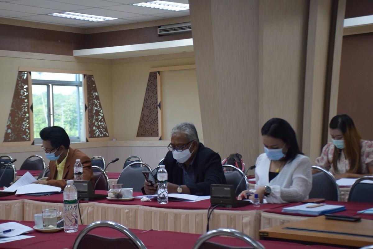 การประชุมคณะกรรมการกลั่นกรองกฎ ระเบียบ ประกาศ และข้อบังคับของมหาวิทยาลัย ครั้งที่ 7/2564-10